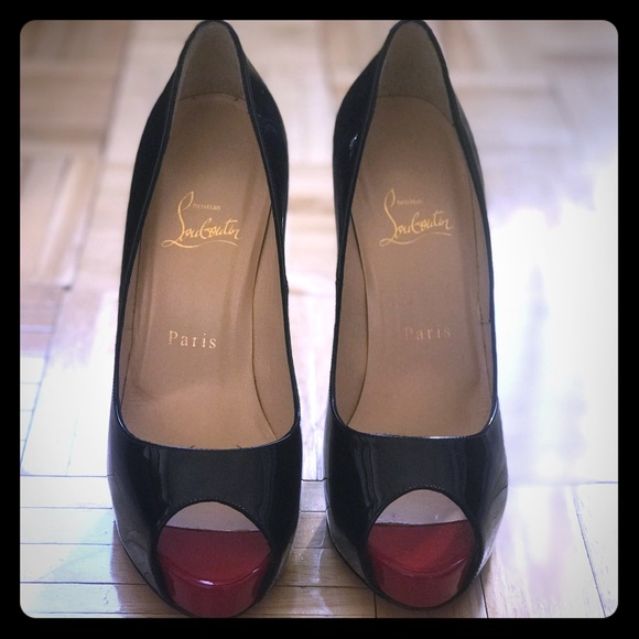 separation shoes 596ee 6b3fe Christian Louboutin Open Toe Pump